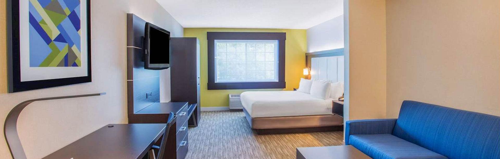 Guestrooms at Holiday Inn Express Hotel & Suites Atascadero